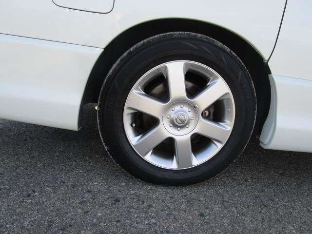 Nissan Elgrand E51 Fourwheeldrive Twin Sunroofs Pearl
